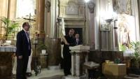 ANTONIO FERN�NDEZ FERRERO PRONUNCIA SU ORACI�N HACIA LA MADRE DE PAZ Y CARIDAD